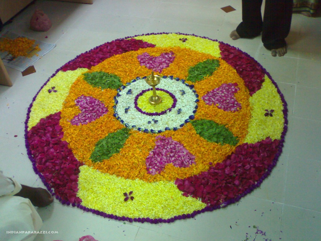 http://2.bp.blogspot.com/_jldOYGfgy94/TGtlIvcOMtI/AAAAAAAAC_g/_2OjX-Z3eSU/s1600/60-Onam+wallpapers-from+koothattukulam-photo+gallery.jpg