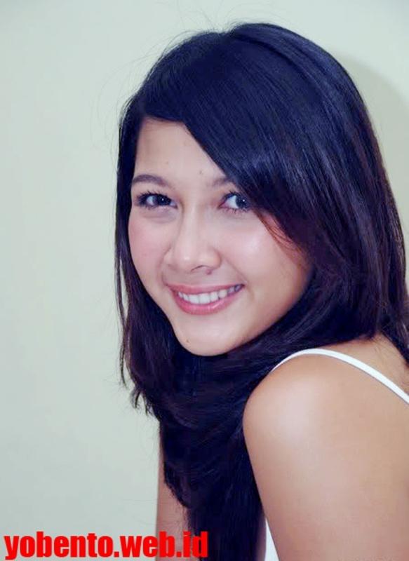 Dewi Gambar Virgin Artis Panas Bugil Memek Mesum