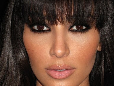 "Kim Kardashian's ""Smokey Eye"" Makeup tutorial"
