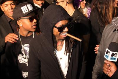 Lil Wayne agradece apoio dos fãs na festa em Miami