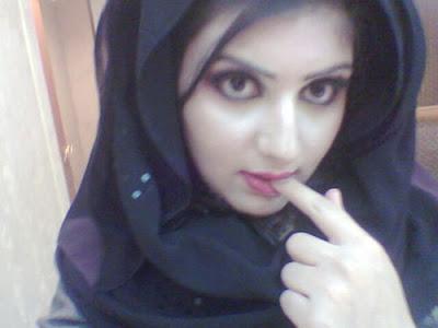http://2.bp.blogspot.com/_jo1xsRVxX7o/SrRSQeYOJ0I/AAAAAAAACnI/utR5weA_eMc/s400/Saudi+Arabia+Girls+%282%29.jpg