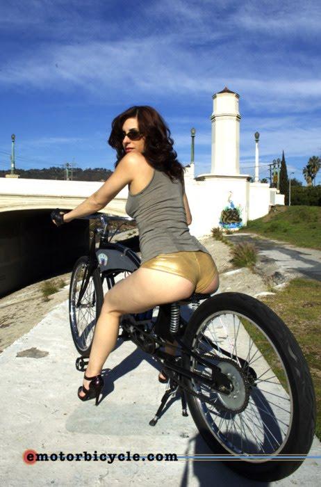 Mulher e Rabeta, gostosa e rabeta da moto, babes and tail bike, Woman and tail bike, sexy on bike, sexy on motorcycle, babes on bike, ragazza in moto,donna calda in moto,femme chaude sur la moto,mujer caliente en motocicleta,chica en moto,heiße Frau auf dem Motorrad