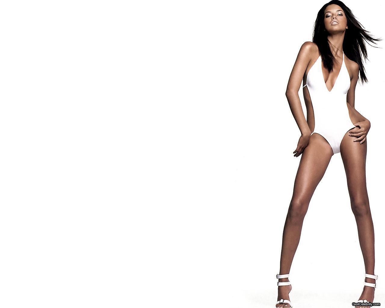 http://2.bp.blogspot.com/_jplSM1tqCLY/TD7FFpzXExI/AAAAAAAAAAM/eH_SIpv5TiQ/s1600/Adriana-Lima-003.jpg