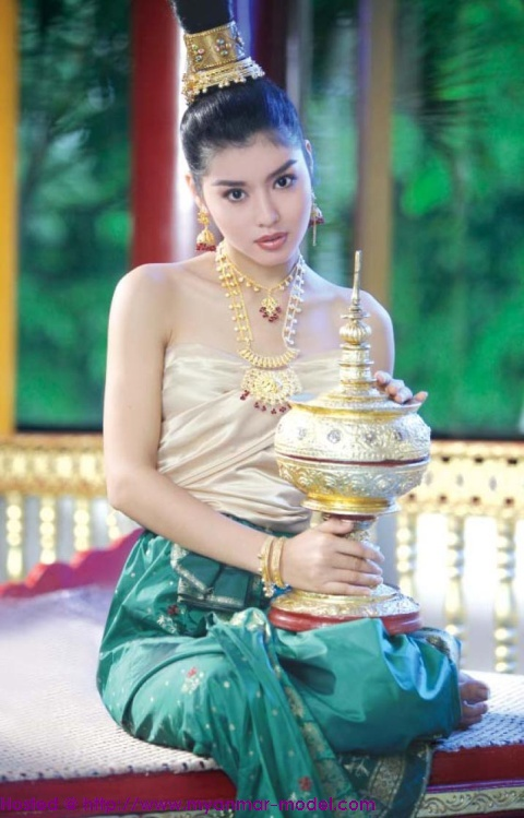 Sexy Myanmar Model Melody Ancient Burmese Dress