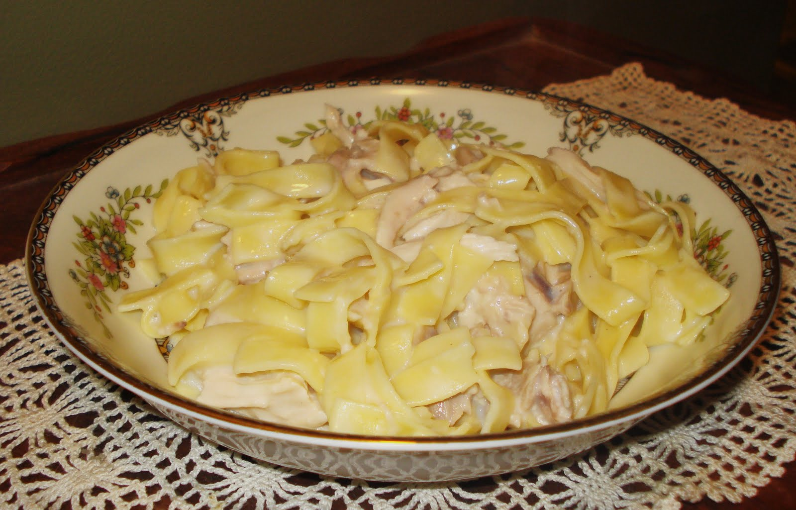 ... Mennonite Cooking: The Mennonite tries Methodist: Chicken and Noodles