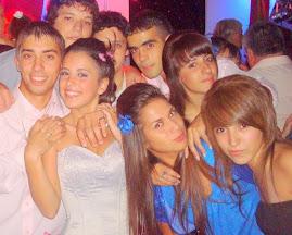 Los amigos: una familia cuyos individuos se eligen a voluntad.
