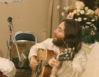 John Lennon ensaia a música Give Peace a Chance
