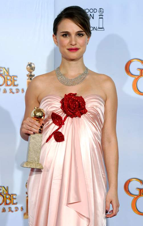 2011 Golden Globes -- Winners. by Sunil | 6:32 AM in Favourites win Golden