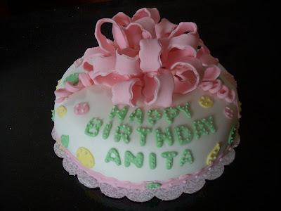 Cakes by Denette