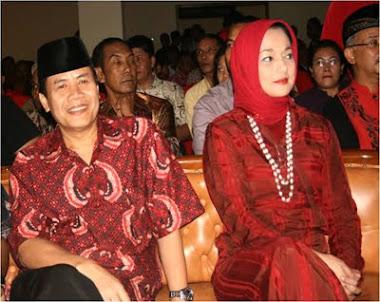 Reuni Marissa Haque dgn PDIP, Tangsel 2010, Achmad Suwandhi dan Marissa Haque Fawzi