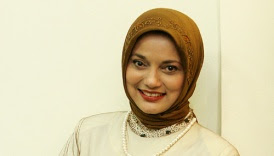 marissa haque in brown jilbab, 2010