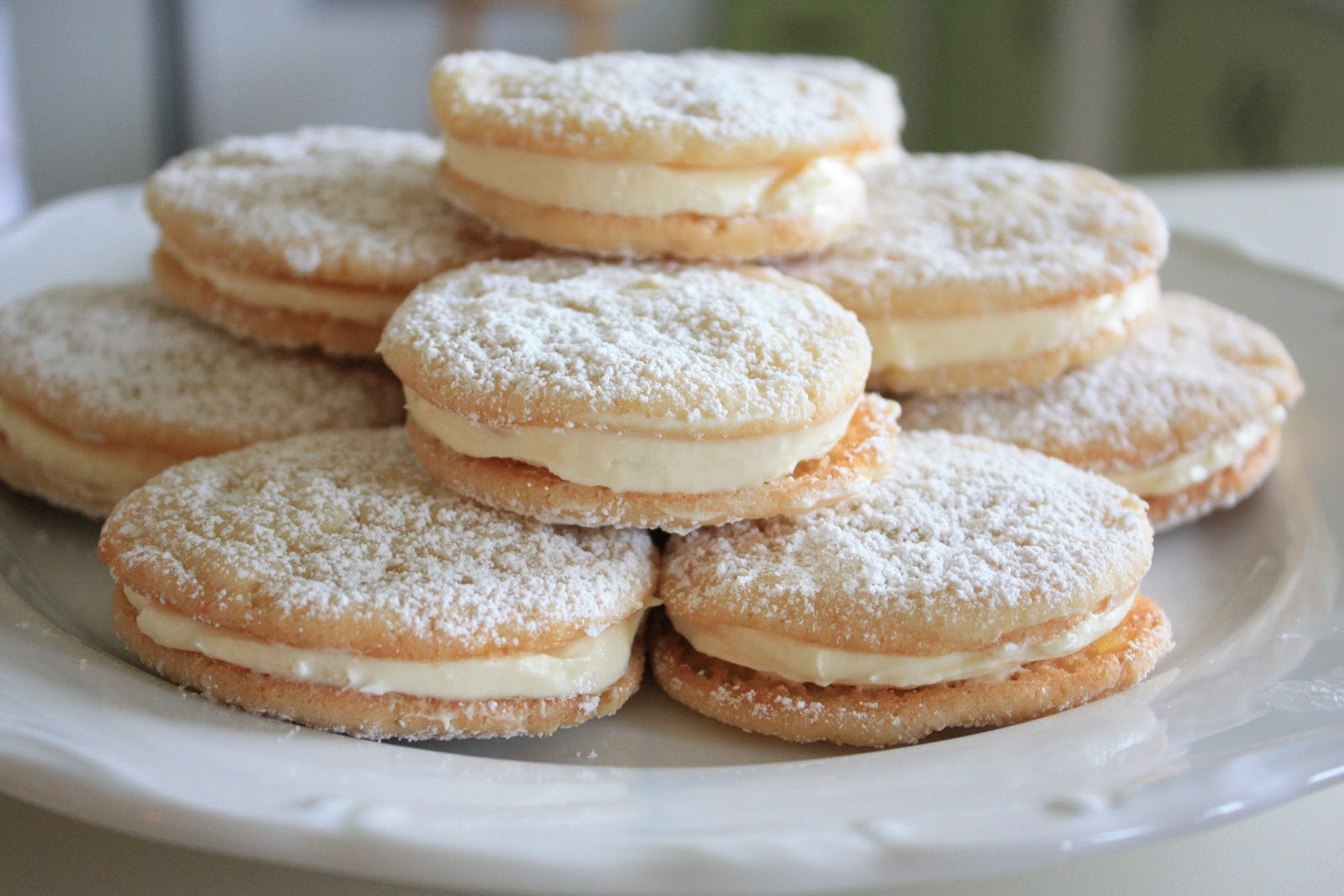 i found these cookies in a recent better homes and gardens publication christmas cookies let me say at the get go that these cookies are addictively