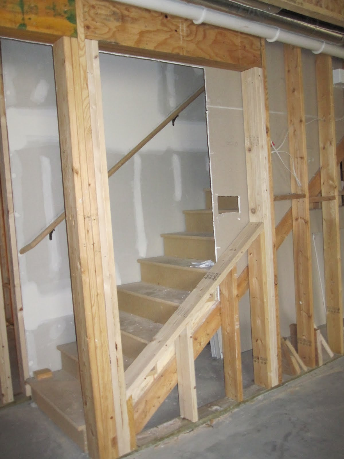 displaying 19 images for basement stair railing