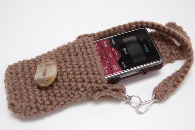 Free Crochet Pattern Mobile Phone Case : Bend Beanies: Cell Phone Case - Free Crochet Pattern!
