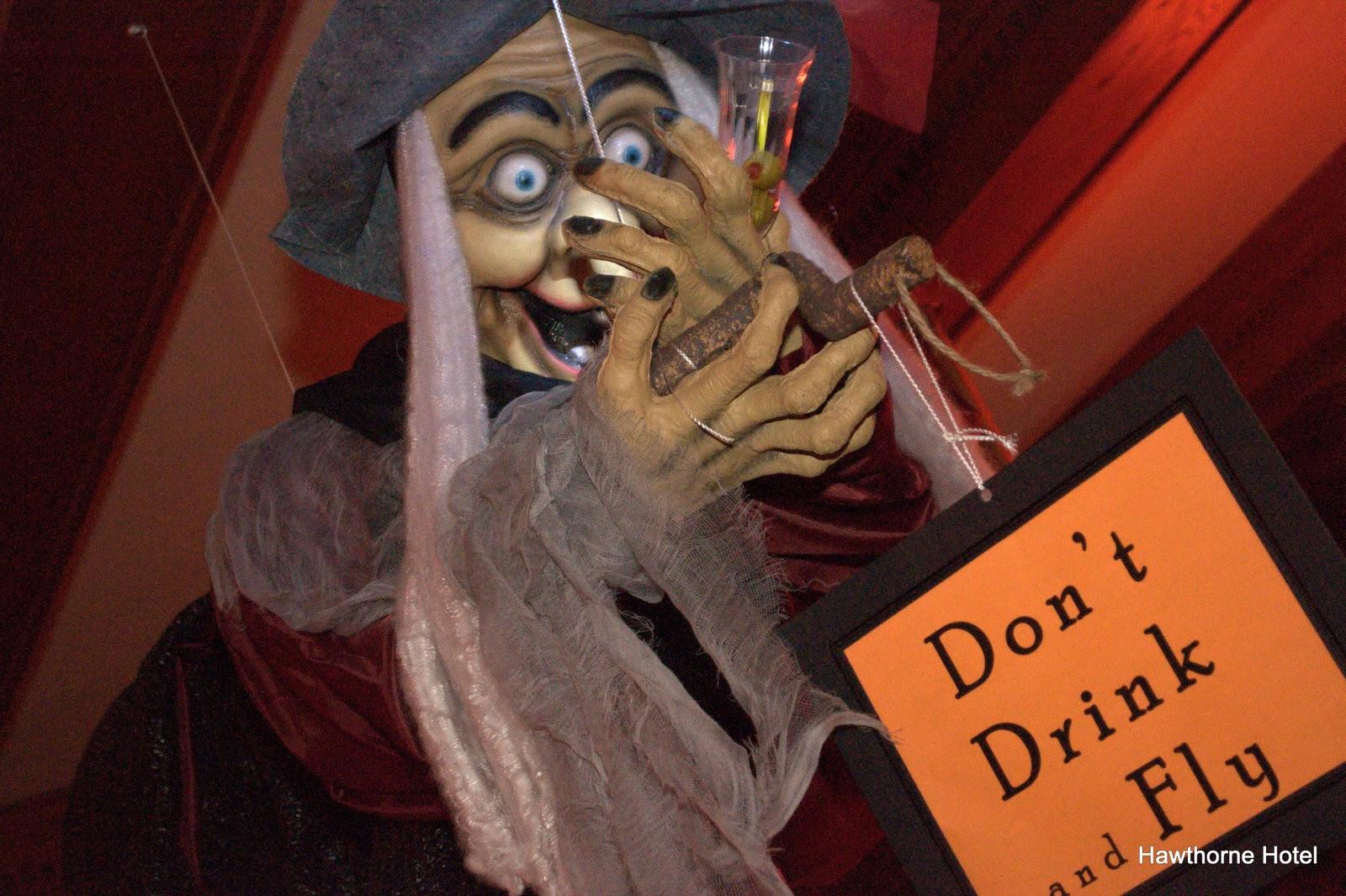 Hawthorne Hotel: More Halloween Ball Photos