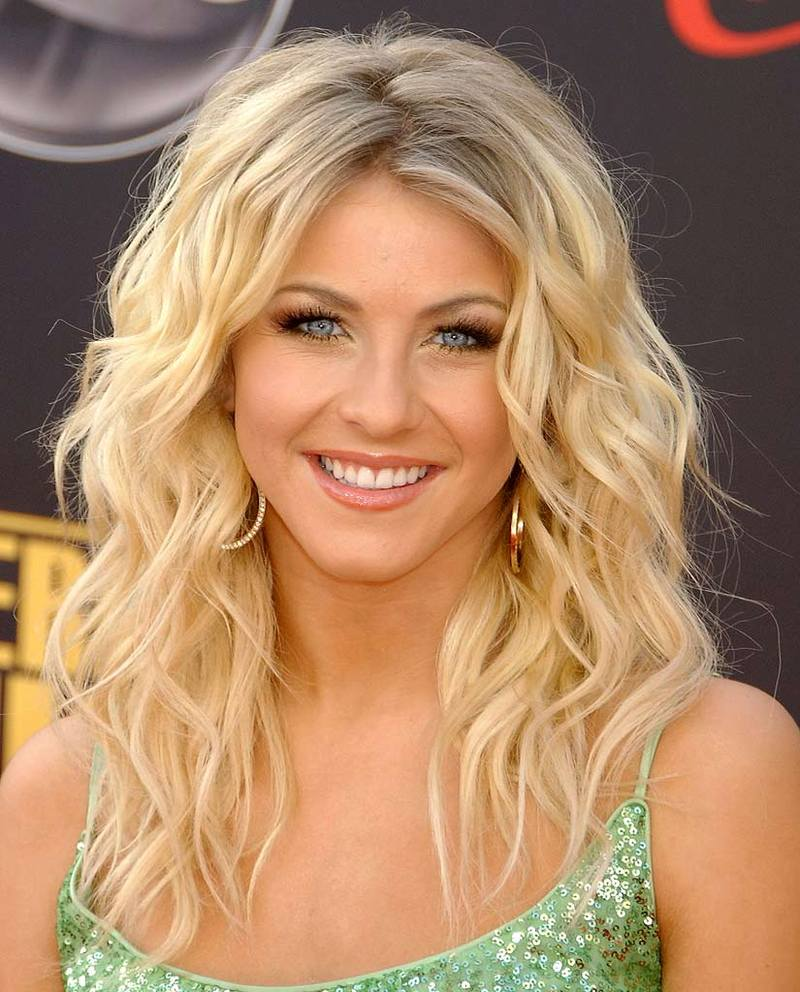 Julianne Hough-Tallented Ballroom Dancer and Singer