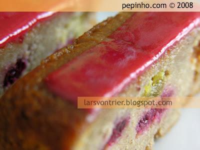 Cake de almendra, higos y frambuesas