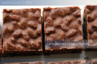Barritas de galleta de chocolate y crujiente de pralin