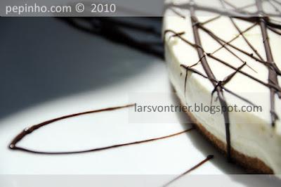 Tarta de queso y limón con trazas de chocolate negro (fría)