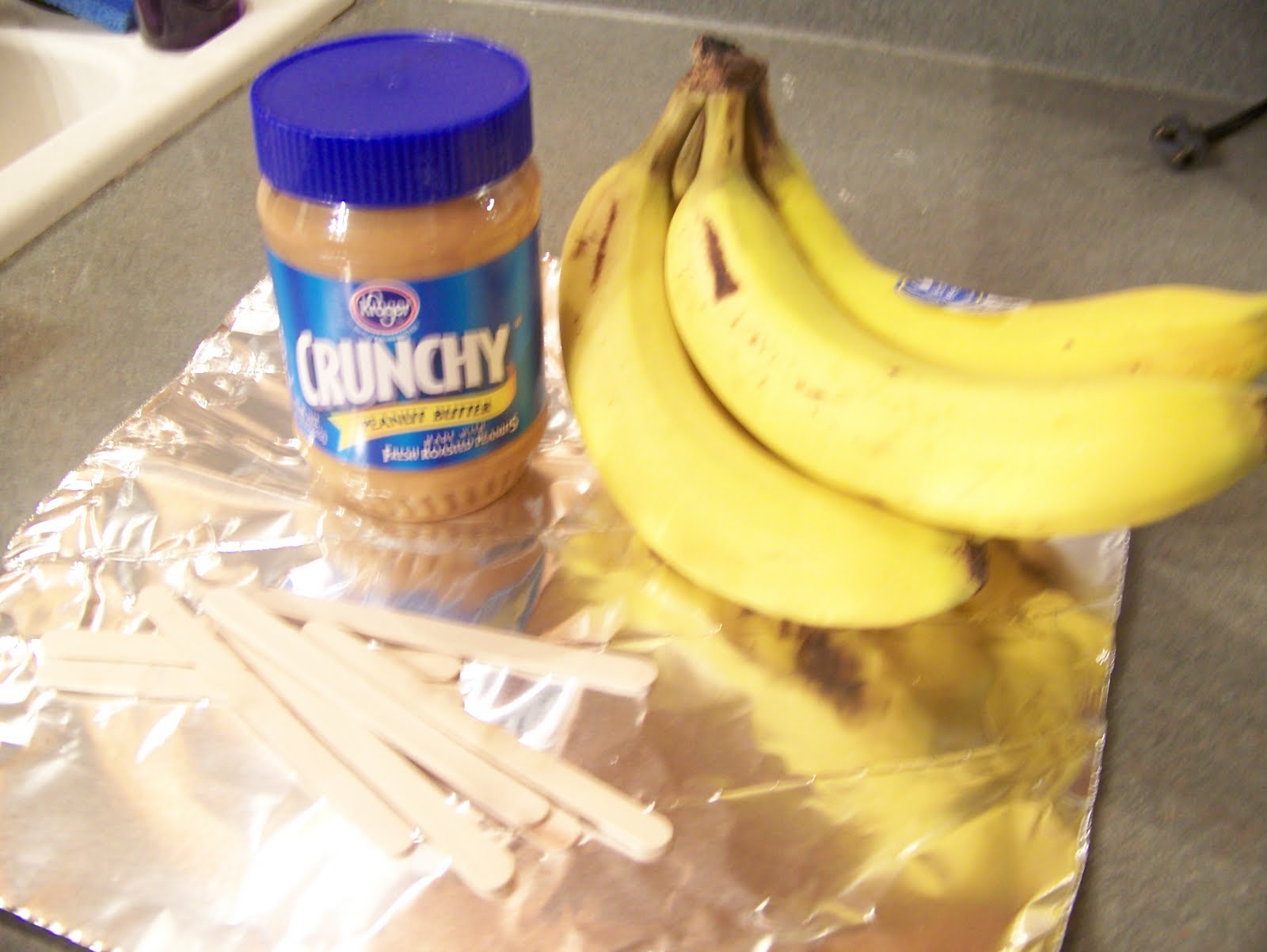 ... Mommies: Toddler Snack Idea: Frozen Peanut Butter Bannanas on a Stick