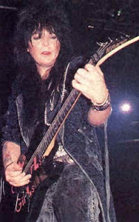mick mars pictures-8