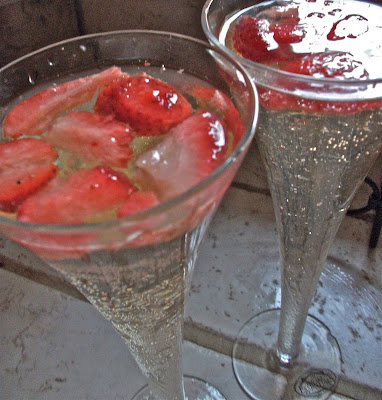 Strawberry Champagne Punch Recipe | Divas Can Cook