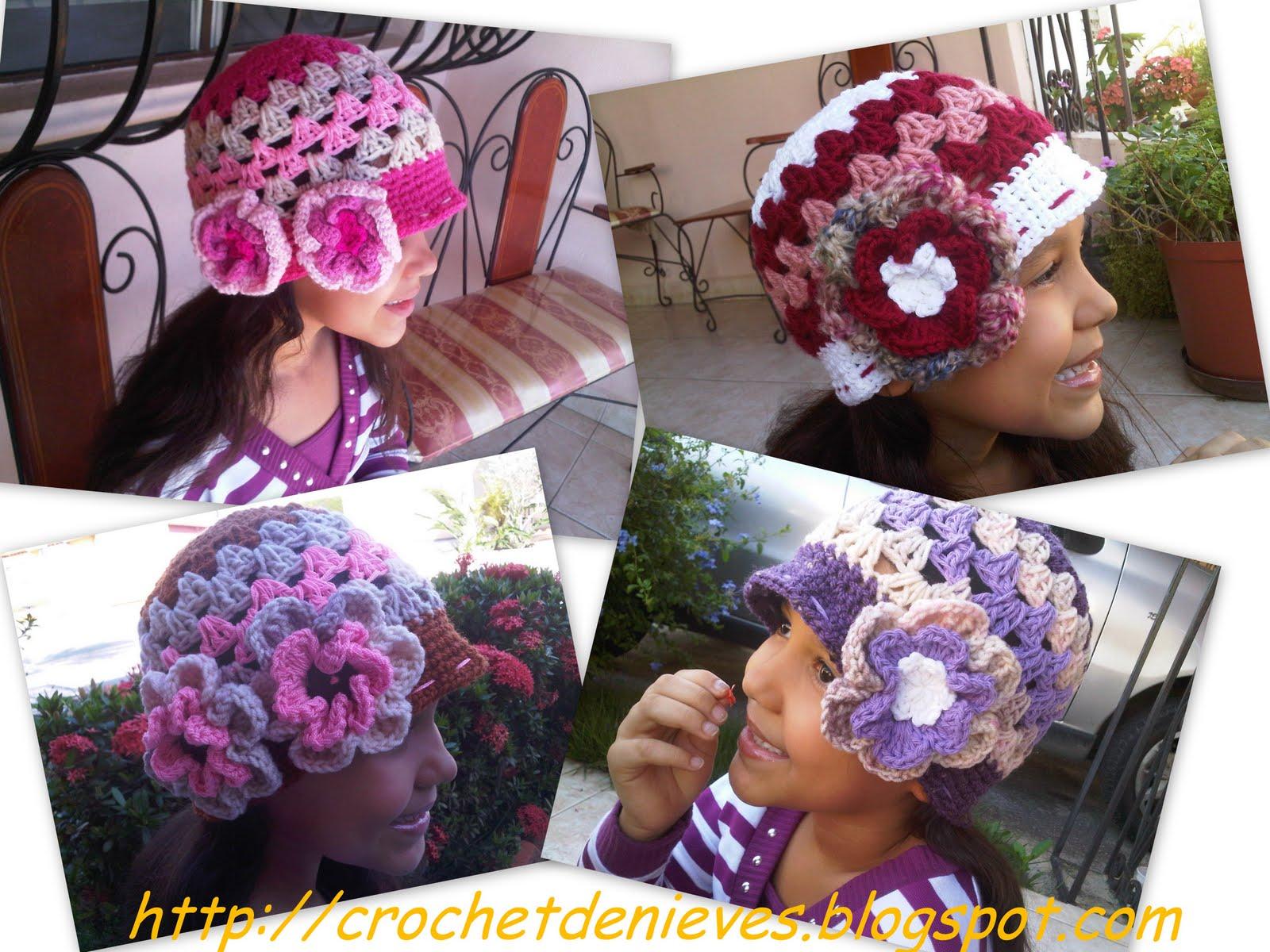 gorros viajaron a Valencia el pasado Jueves 06/01/2011, fueron un encargo de una amante del tejido que conocí a través del Facebook, son para su niña de