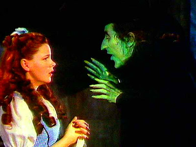 http://2.bp.blogspot.com/_k07pirzBU34/SYhJ_weYjvI/AAAAAAAAAZs/pKt2Hpf2YnM/s400/Dorothy__Witch_1.jpg