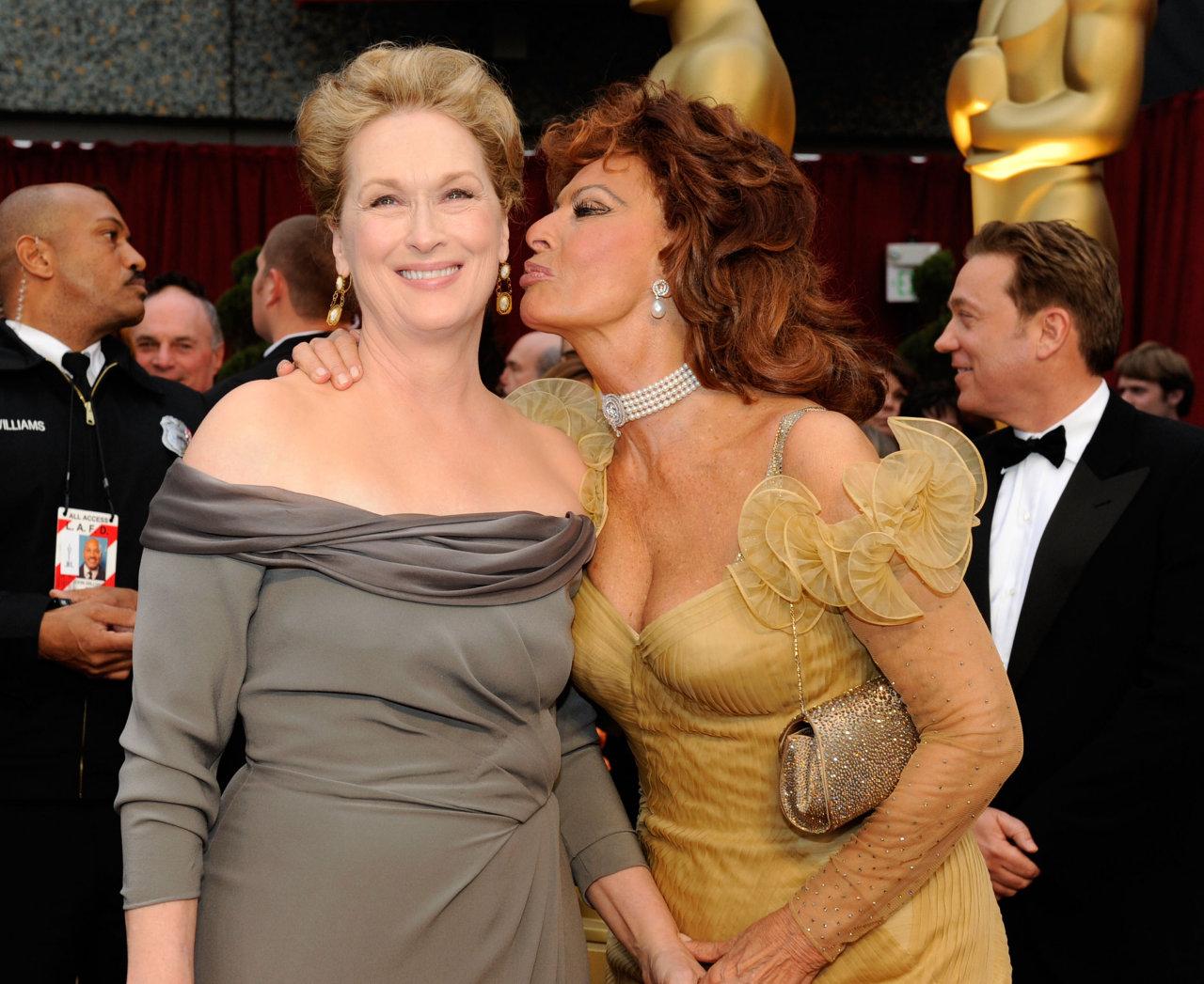http://2.bp.blogspot.com/_k0qcqtNtpOY/THhZujONvFI/AAAAAAAAUT4/mn3jWUqE8Gw/s1600/Meryl-Streep-1269415.jpg