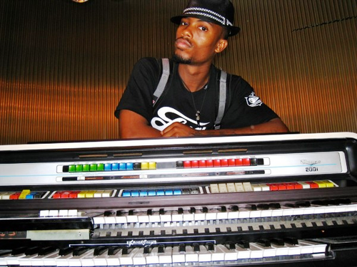 BoB keyboards Featuring B.o.B *new J. Cole & The Script