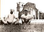 São Miguel das Missões (após 88km à pé), com meu grande amigo Nei Birk