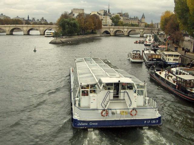 http://2.bp.blogspot.com/_k3Tgr2UcxA4/TDsbfneul_I/AAAAAAAAB6s/i4pAdf1pyV4/s1600/Day+02-37+River+Seine.JPG
