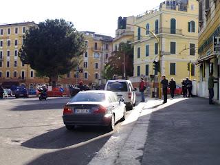 I vigili urbani, l'Ultimo Cittadino e il Romanzo Criminale di ogni giorno