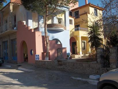 Αναστύλωση και προσθήκη σε διώροφη κατοικία