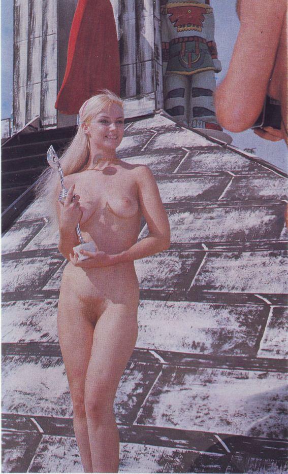Nude girls skinny dipping