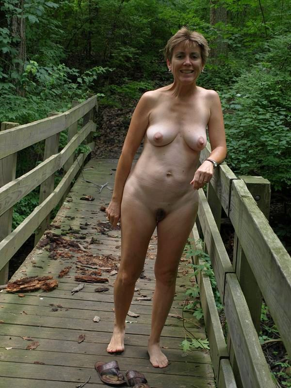Nude woman photo