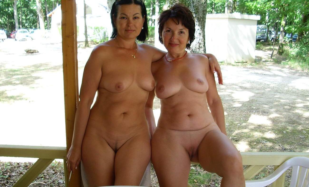 Natural hanging tits
