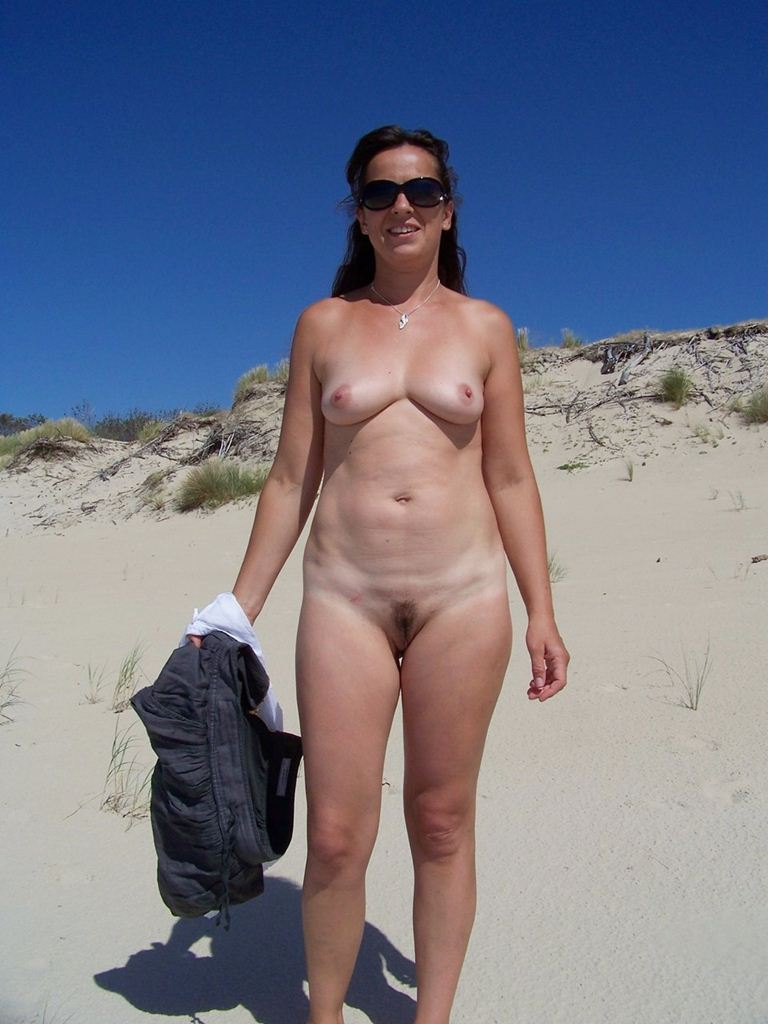 Nudist Women Photo of the Day 01/25/11 - GOOD NAKED
