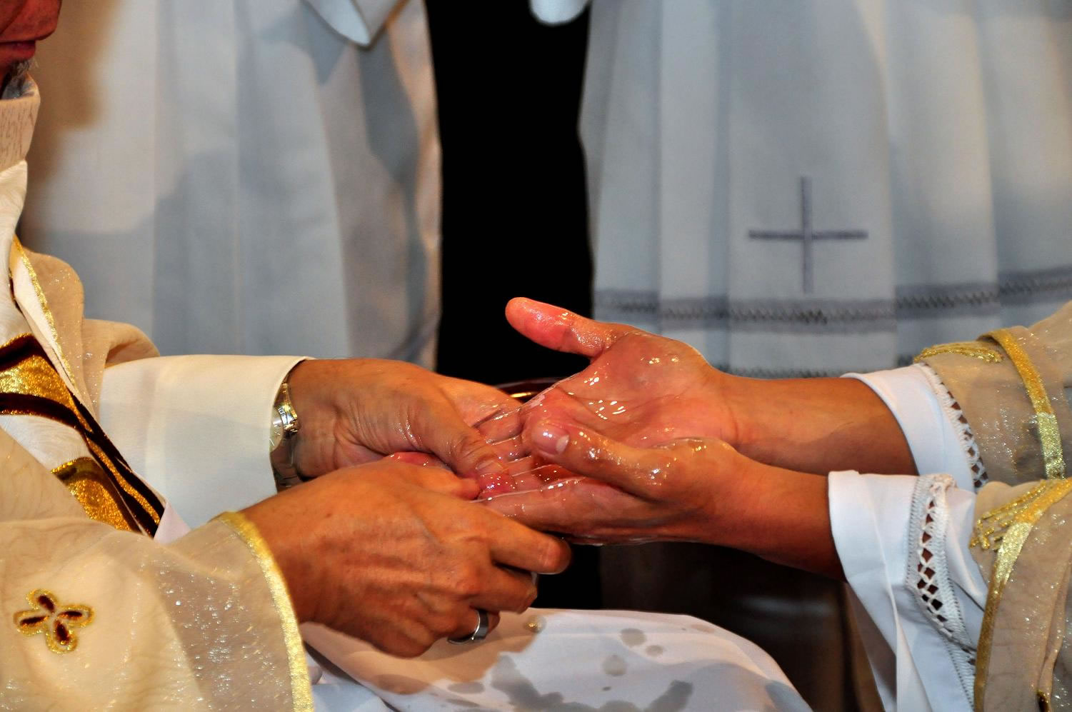 The Binding Cloth Of The Priests Anointed Hands Priest Stuff
