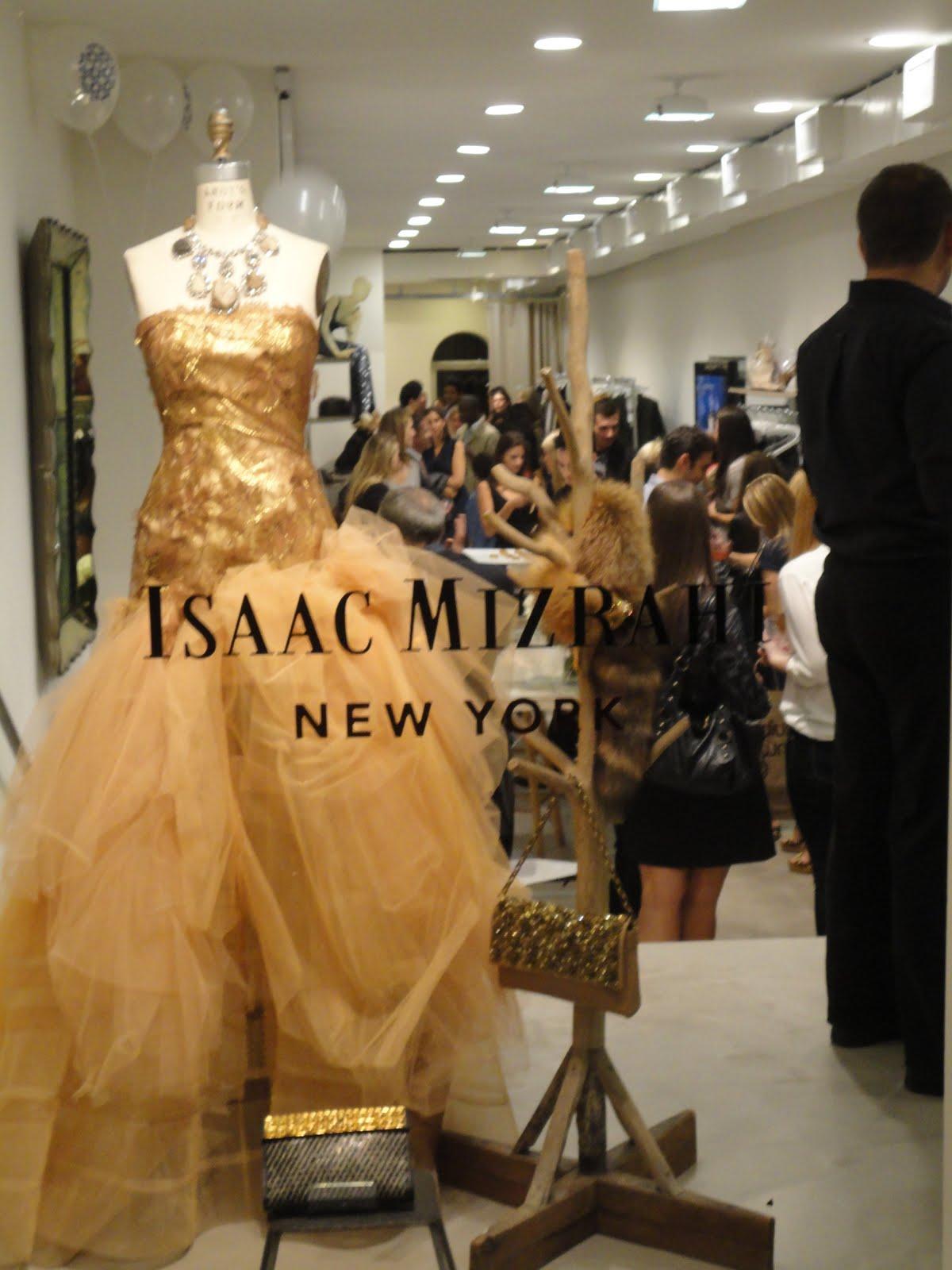 http://2.bp.blogspot.com/_k9UWS0fHSz8/TIv78uISjiI/AAAAAAAAAUY/oZBP9urHqoQ/s1600/Fashion+Week2010+225.JPG