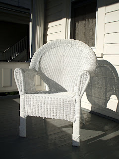 white+wicker White
