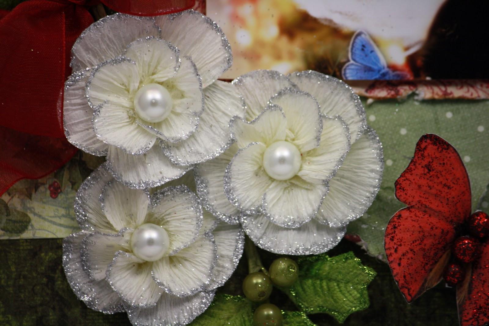 Цветок из креповой бумаги своими руками с конфетой