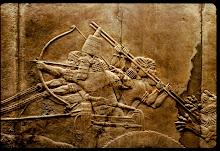 Le roi Assurbanipal sur son char de chasse