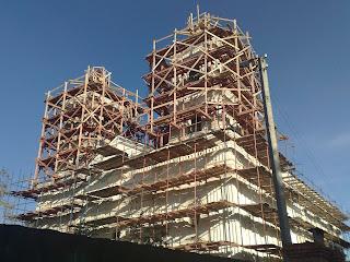 la chiesa dei frati ad Astrakan, tutta in restauro