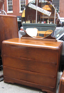 Uhuru Furniture Collectibles 1930 39 S Vanity And Dresser