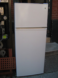 Uhuru Furniture & Collectibles: GE Apartment Size Refrigerator - SOLD!