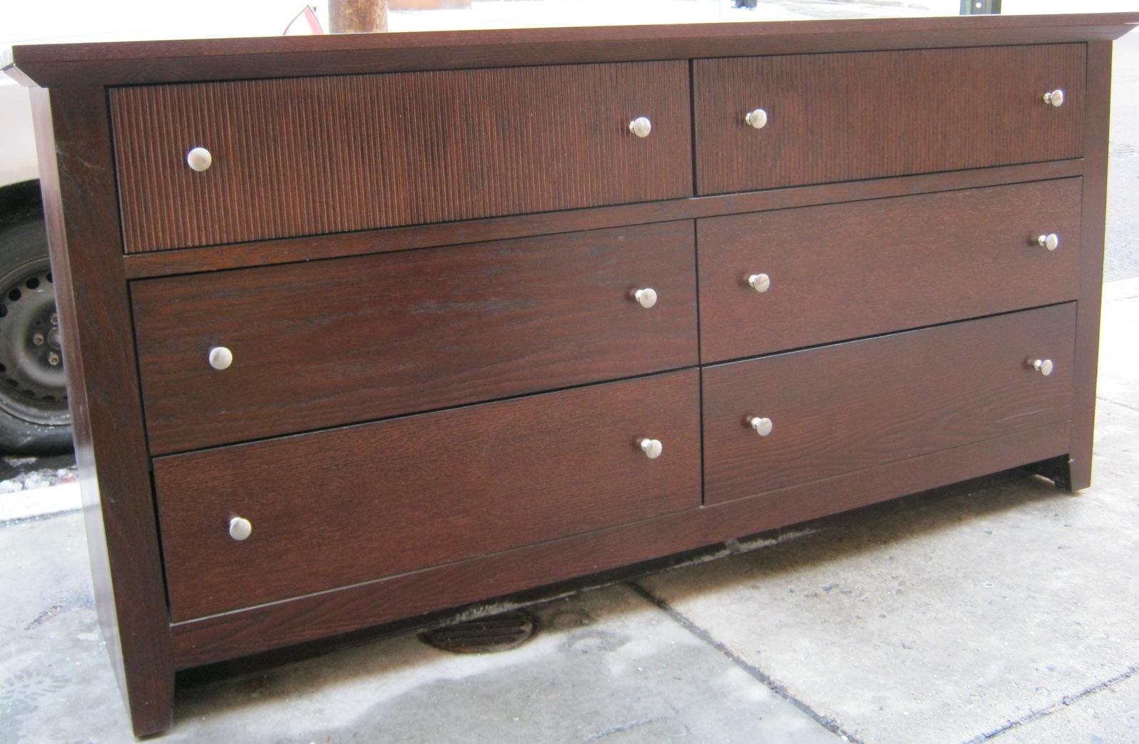 Uhuru furniture collectibles espresso bedroom set sold for Espresso bedroom furniture