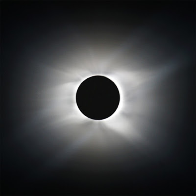 Longest eclipse ever photo, longest total solar eclipse picture, solar corona image, Eclipse view from plane video, world record 2010