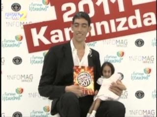 World's Tallest Man Sultan Kösen And Shortest Woman Elif Kocaman, Sultan Kösen photo, Elif Kocaman picture, Tallest Man in the world 2011, Shortest Woman in the world 2011, World's Tallest Man 2011, World's Shortest Woman 2011, tallest living man in the world video, World's Tallest Man Guinness World Record 2011, currently holds the World's Tallest Man Guinness World Record