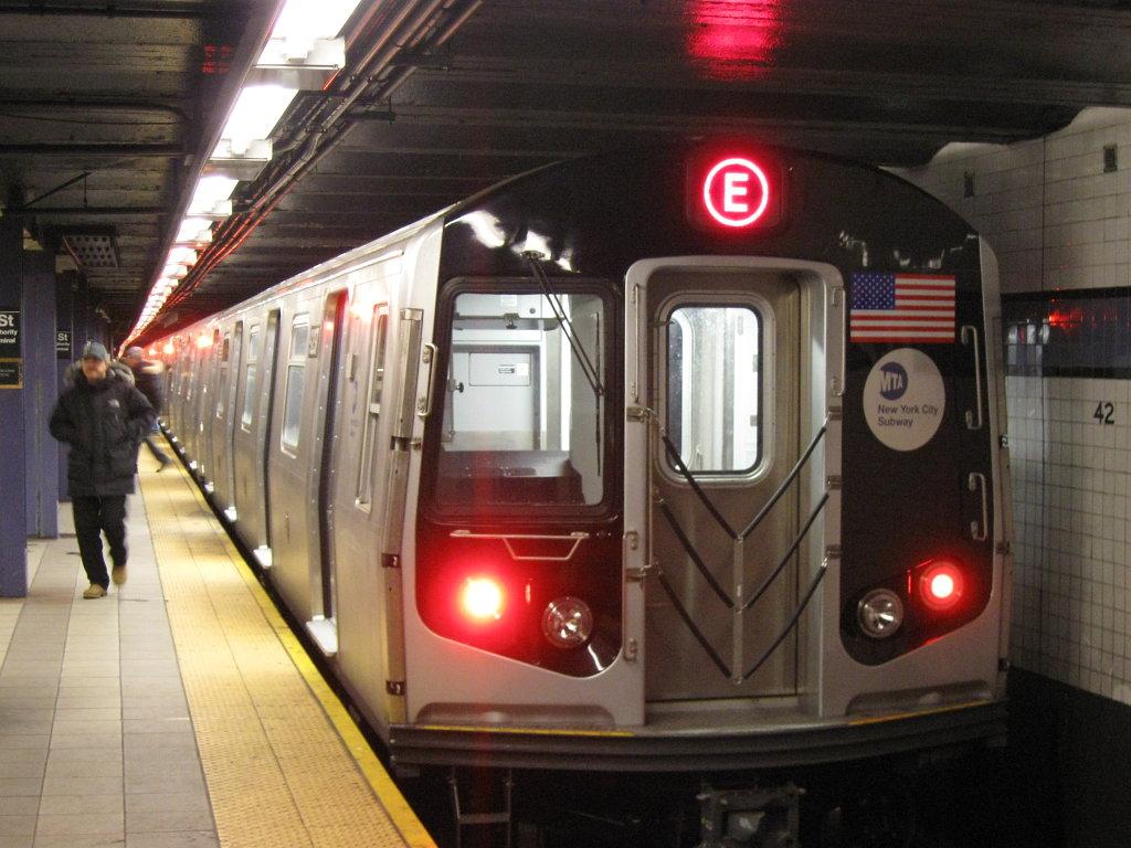 http://2.bp.blogspot.com/_kG2qXnvR_KE/TS6L_P39XQI/AAAAAAAAAoc/xdHbs_M0CaU/s1600/SubwayyE.jpg